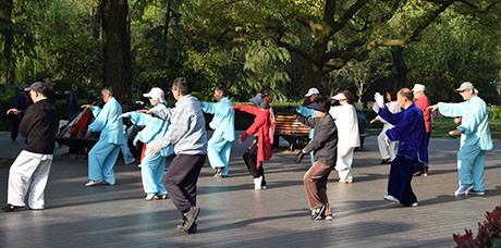 TaiJi quan im Zhongshang Park in Shanghai